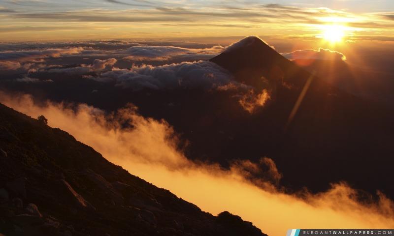 Lever de soleil sur le volcan Acatenango, Guatemala, Arrière-plans HD à télécharger