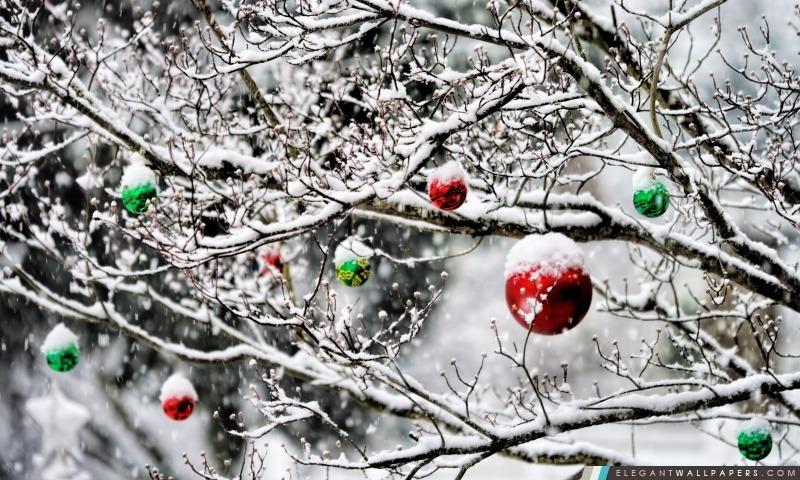 Décorations de Noël dans la neige, Arrière-plans HD à télécharger