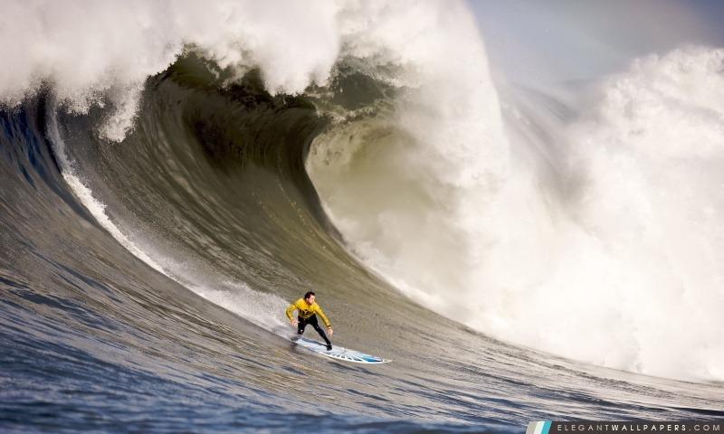Un surfer monte en bas d'une vague, Arrière-plans HD à télécharger